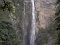 1. Dvoustupňový vodopád Gocta, Amazonas, Perú (AR).