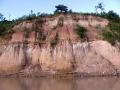 4. Eroze nárazového břehu; řeka Yuruá, Ucayali, Peru (JL).