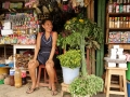 1. Stánek s léčivými rostlinami na dnes již neexistujícím trhu Mercado dos ve městě Pucallpa, Ucayali, Peru (LB).
