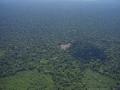 5. Postupné odlesňování a fragmentace lesa, nedávno založený Národní Park Sierra del divisor, Ucayali, Peru (JL).